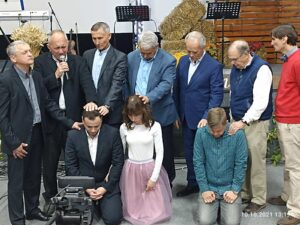 Рукоположение братьев на пасторское и дьяконское служение макаровская Христианская Церковь